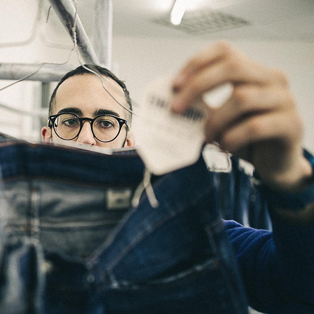 LIM-ufficio-R&S-tecnico-jeans