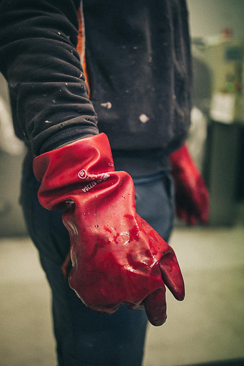 LIM-particolare-guanti-sicurezza-lavoro